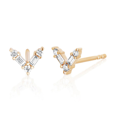 Newest Design Gold Plated V Sterling Silver Stud Earring YCE2682